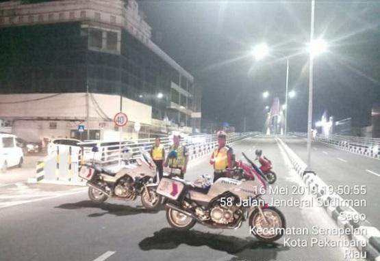 Tawuran di Jembatan Siak IV Karena Motor Ngebut