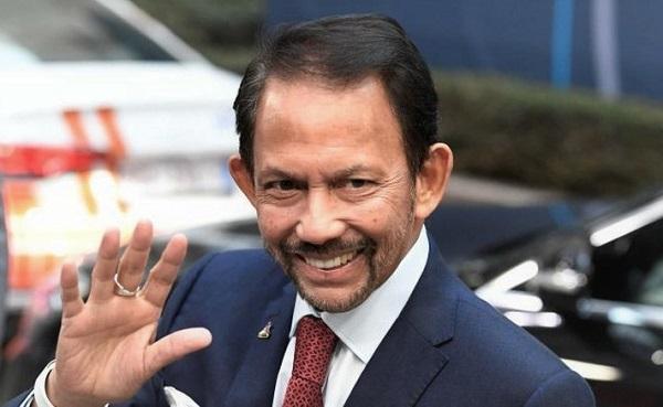 Dikritik Soal UU Anti LGBT, Sultan Brunei Kembalikan Gelar dari Oxford
