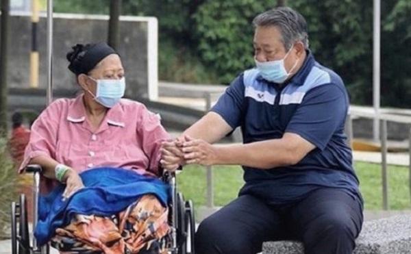 Tak Sanggup, SBY Menangis Terus Hingga Matanya Bengkak