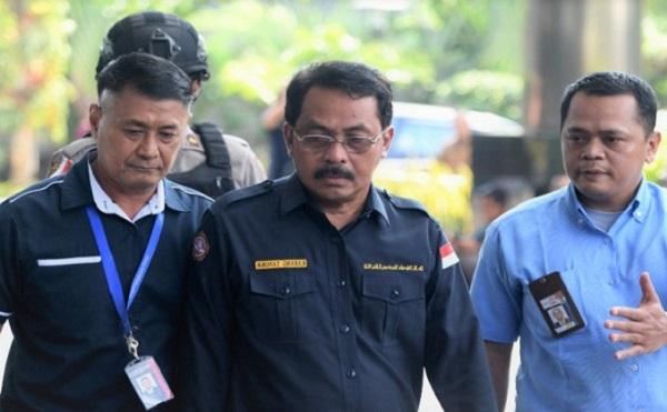 Kena OTT, KPK Segel RUANG RAHASIA Gubernur Kepri